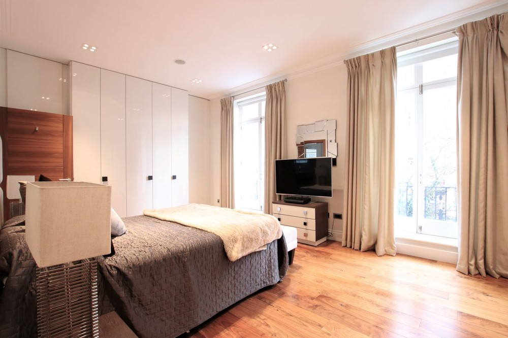 Sheffield Terrace, Kensington, W8 Photo 9